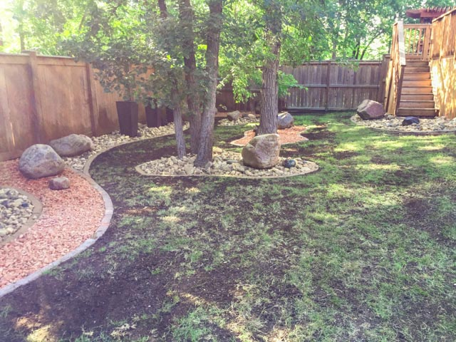 Landscaping With Shale Rock : Rock Garden With Red Shale Riverwash  Fieldstone Boulders Bordered