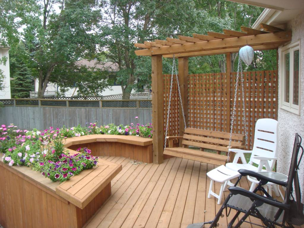 Deck swing pergola and built in planter box for Deck garden box designs