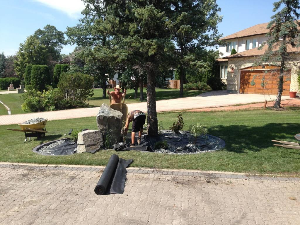 The Lawn Salon at work in Winnipeg