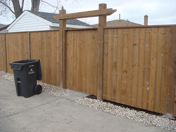 Lead image-fences.jpg