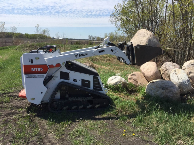 Mini skid steer Bobcat service