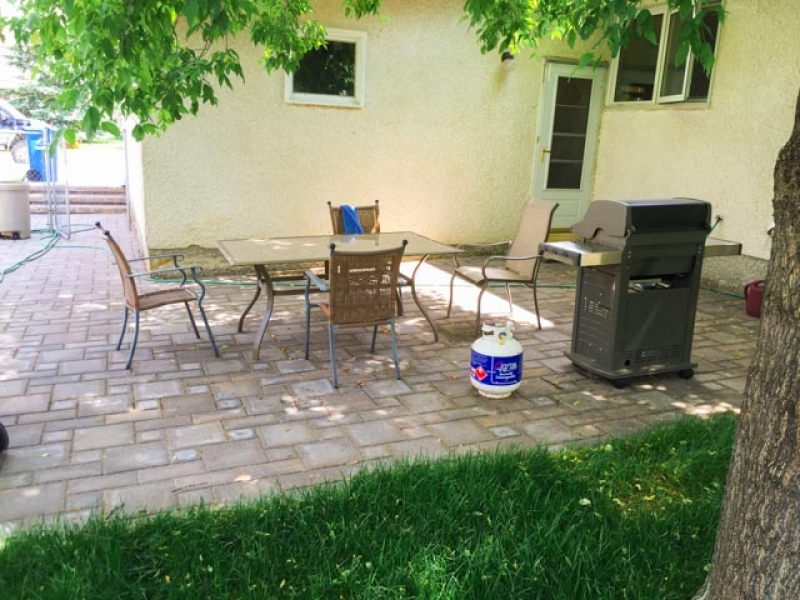 Patio and walk with Verano paving stones