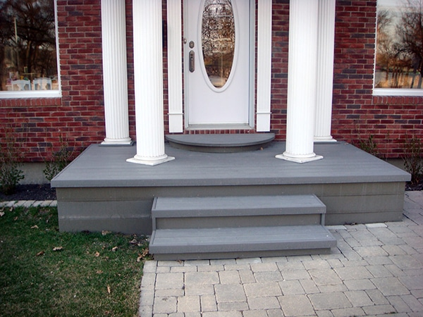 Front landing with grey Trex composite decking.jpg