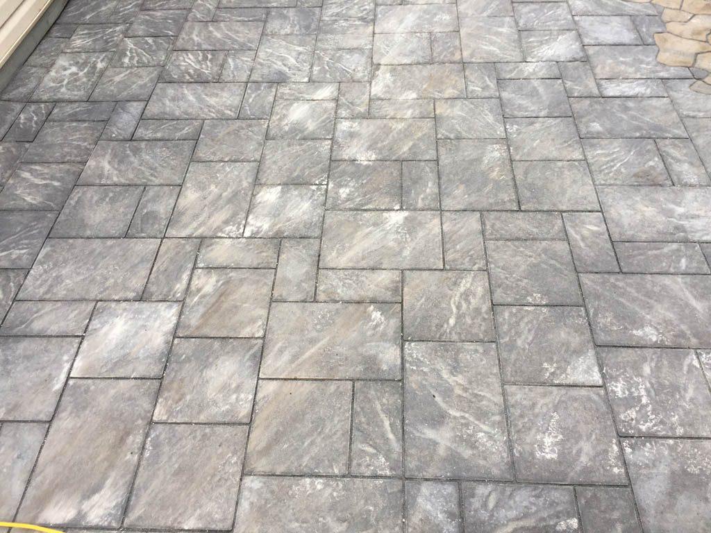 Navarro Paving Stone Patio With Mesa Flagstone Inset The