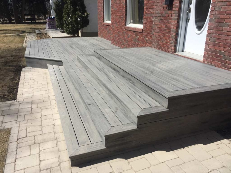 Trex Composite deck in Island Mist